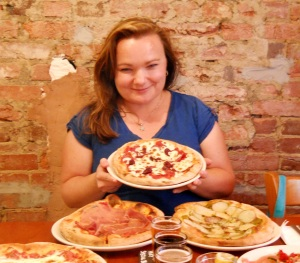 Liz Barrett author of Pizza, A Slice of American History