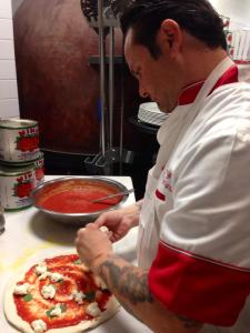 Tony Gemignani making pizzza