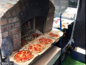 Stella' Pizza Pie Oven with Pizzas